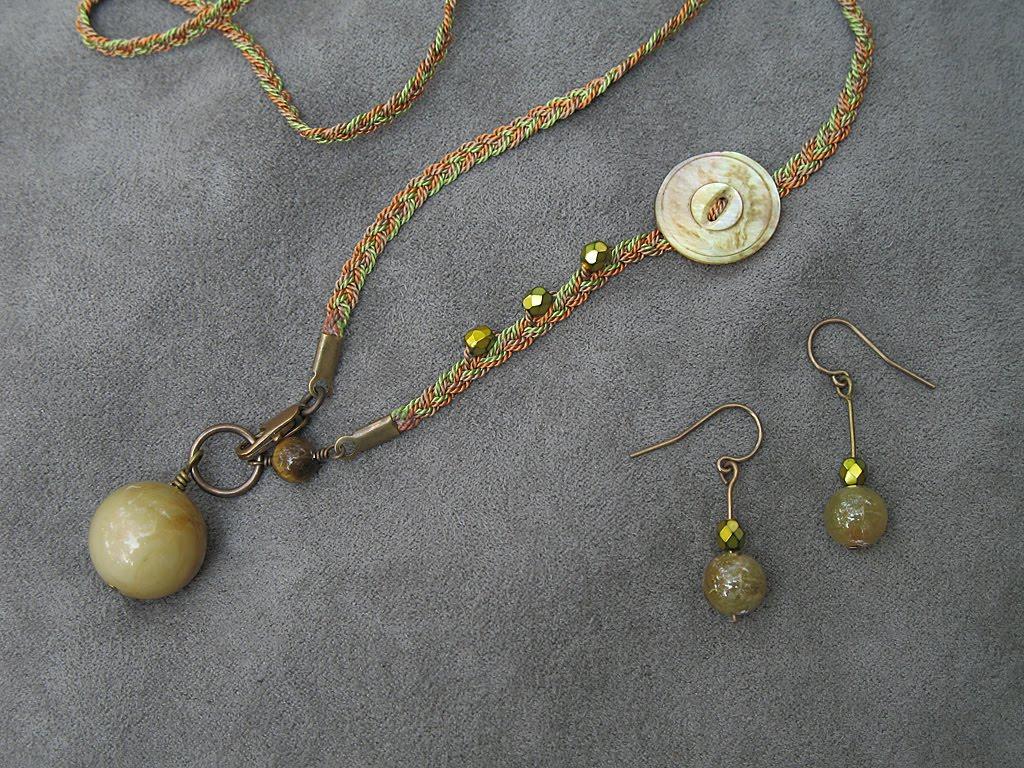 Pat Callahan artist: entangled: jewelry by Pat Callahan