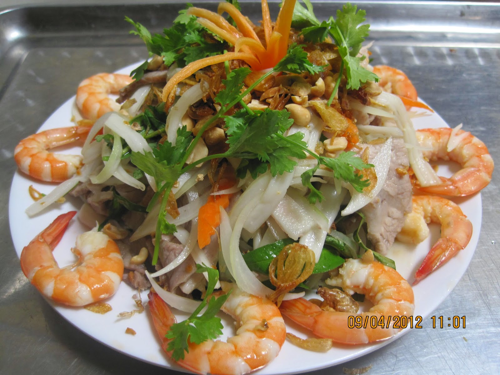 Bồn bồn salad with shrimp and meat