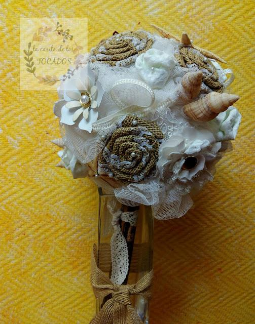 ramo para novia con estrellas de mar y conchas