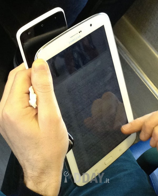 The Galaxy Note 8.0 Tablet, Revealed in Leaked Images