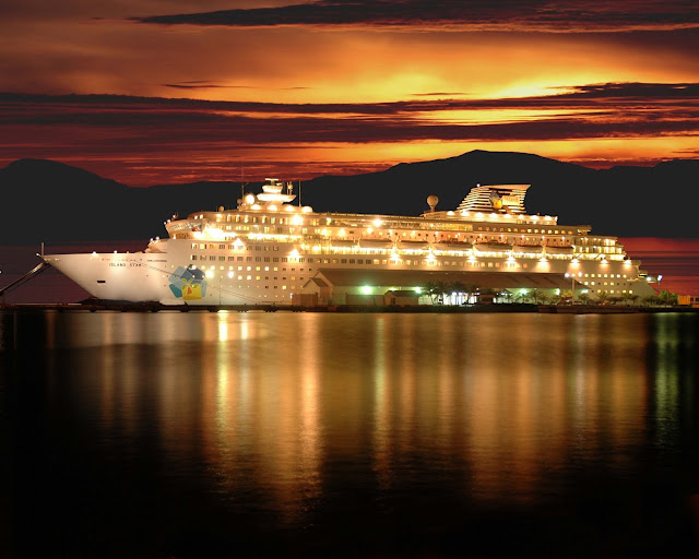 Holiday Fans travel the World RTW -family activities Budget Travel Cruising The World