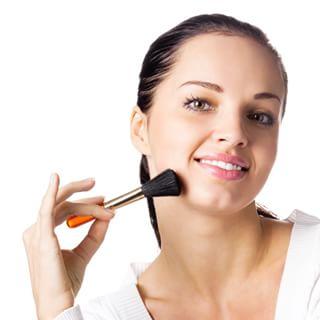 Contactar con estilista para peinar y maquillar.