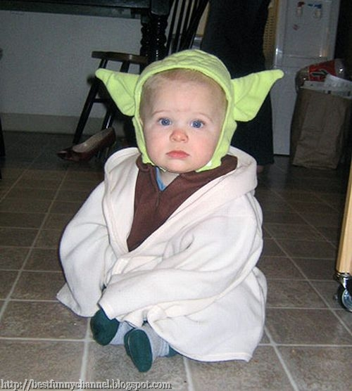 The baby in the costume of star wars.