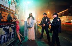 Aí aparece, de repente, Jesus e salva a puta.