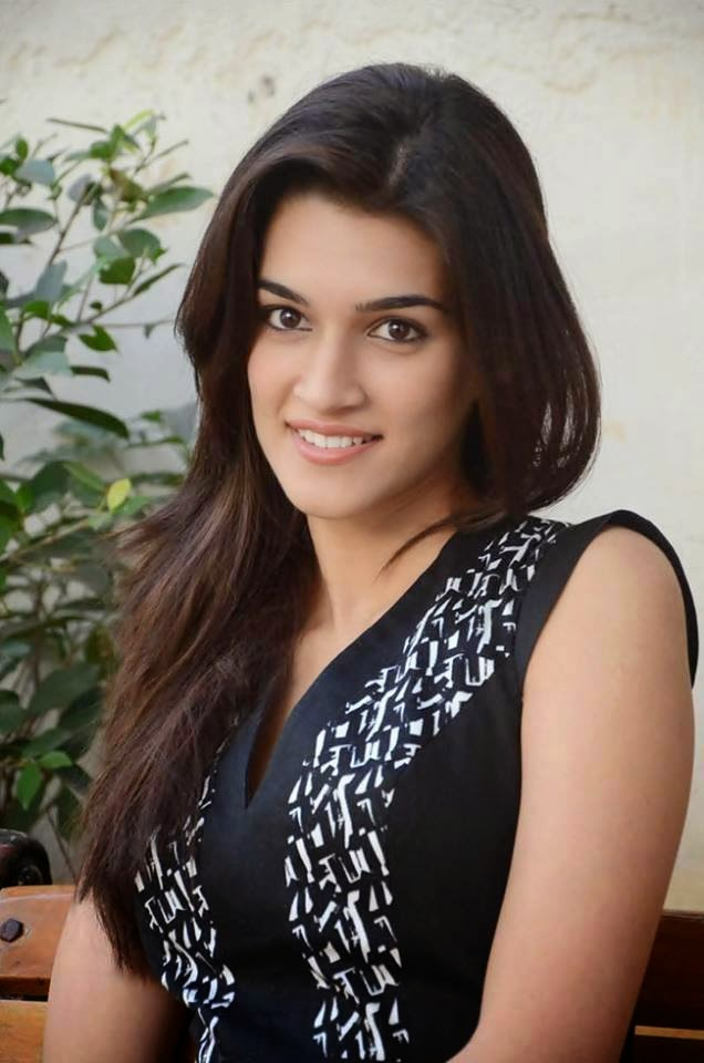 Kriti Sanon Heroine of Heropanti Movie Hot HD Wallpapers