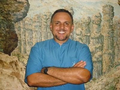 Datos Biográficos del Dr. ALVARO GERMÁN NIÑO RIVERO, Director Clínica COI.