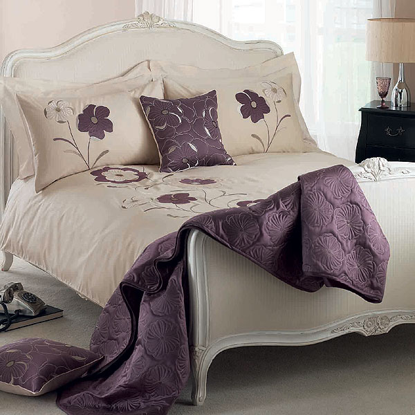 Embroidered bedding designs 2012 home interiors for Home designs comforter