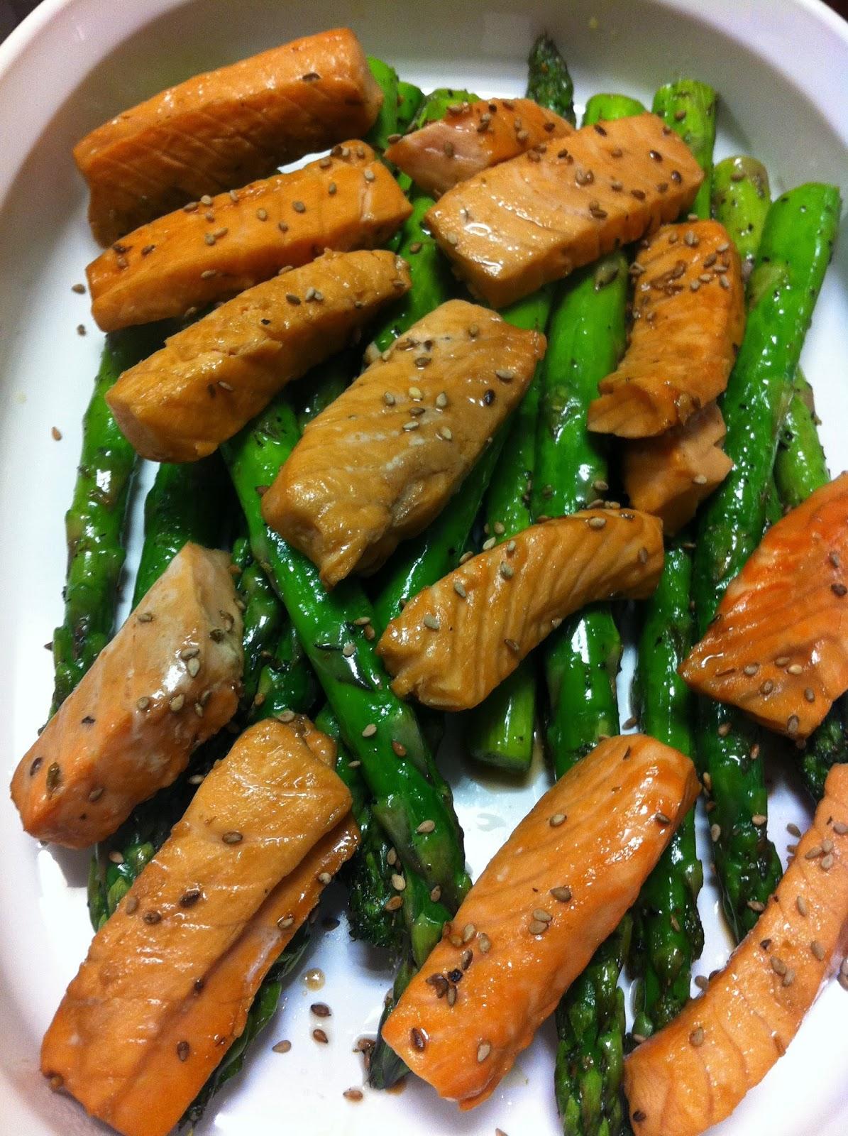 Disfruta cocinar ensalada de esparragos con salmon for Cocinar esparragos