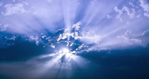 A noção de um ser perfeito significa que Deus tem de existir