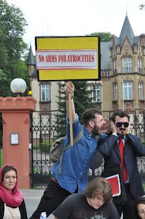 http://amnesty-luxembourg-photos.blogspot.com/2012/06/ambassat-demo.html
