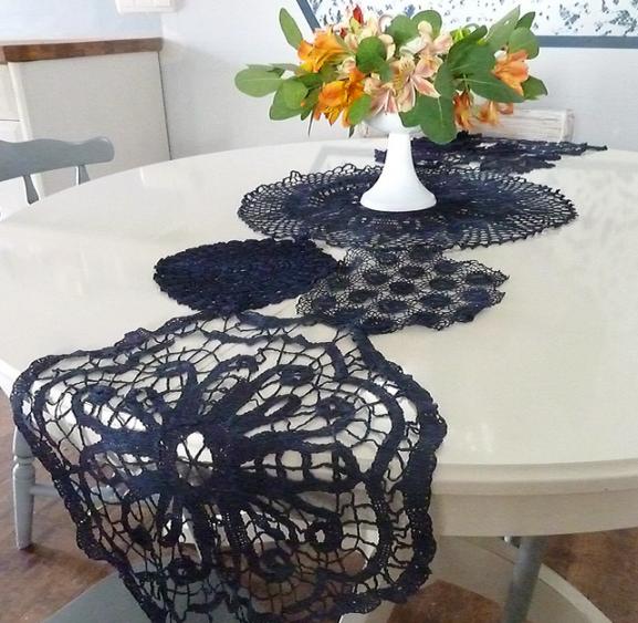 Entre barrancos manualidades caminos de mesa con pa os for Caminos para mesas