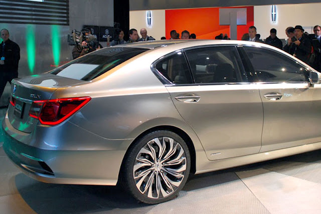 2012-Acura-RLX-Exterior-back
