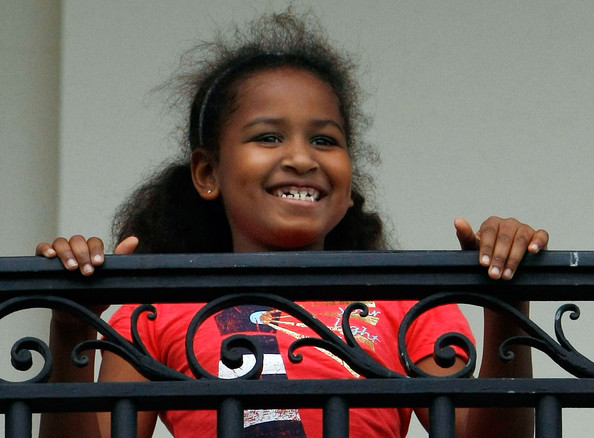Barack Obama and Michelle's daughter Sasha obama