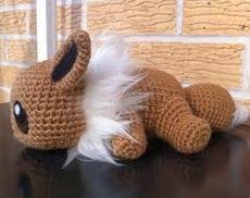 http://aphid777.deviantart.com/art/Baby-Eevee-with-pattern-443660084