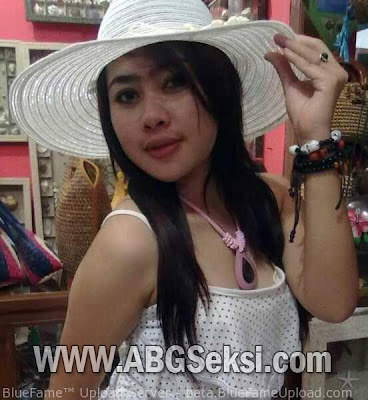 foto spg cantik hot dan seksi