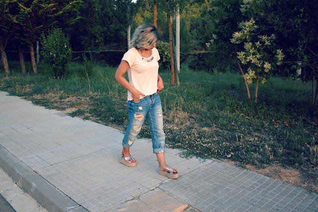 boyfriend-sandalias-flatform-gold-look-outfit