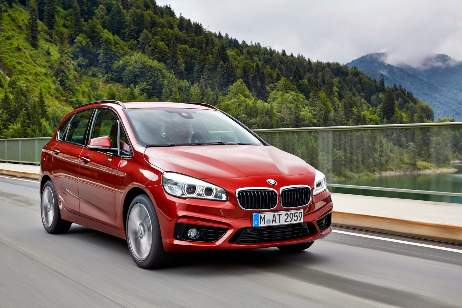 yeni bmw 218i active tourer images. Black Bedroom Furniture Sets. Home Design Ideas