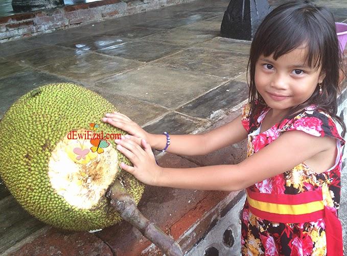 foto dengan nangka,love picture,dzarifa