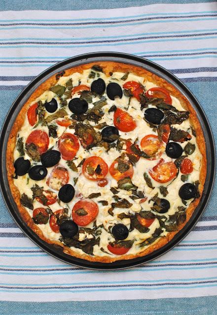 basilikapaj, paj, fetaostpaj, tomatpaj, kristi himmelfärd, recept, recept till kristi himmelfärdshelg, middagsbjudning, efterrätt, mat, god mat till kristihimmelfärd