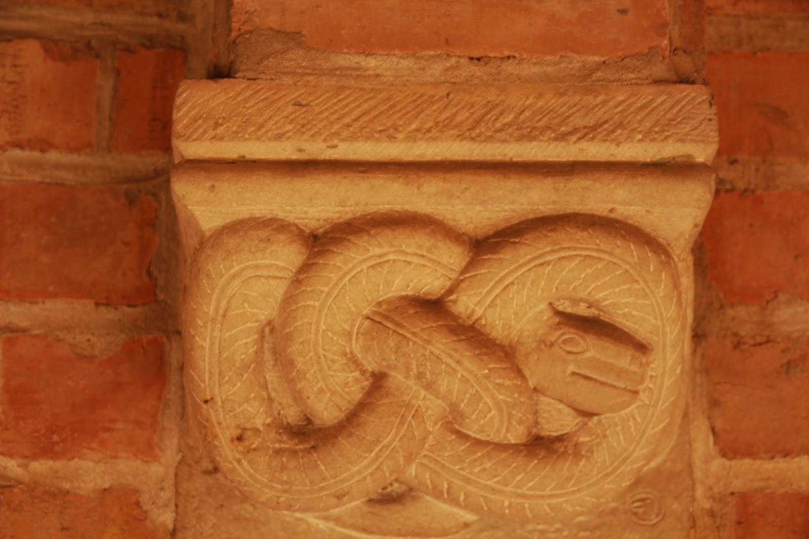 motyw splecionego węża