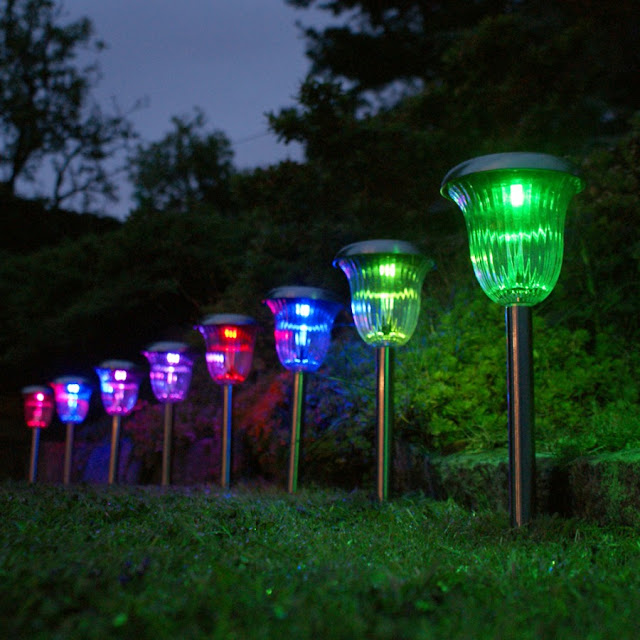 Advanced Gardening Products For Your Home Garden LED Garden Lamps 02