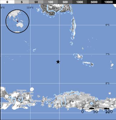 terremoto de 6.1 grados de magnitud en la escala abierta de Richter sacudió las aguas del mar de Flores, en el este de Indonesia, 21 de Septiembre 2013