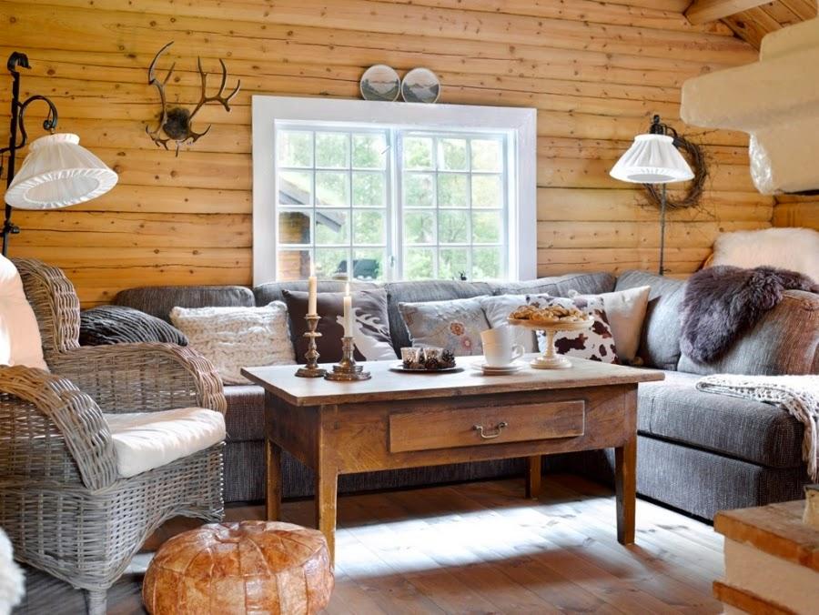 wystrój wnętrz, home decor, wnętrza, dodatki, dom, mieszkanie, dom z bali, dom drewniany, trawa na dachu, salon, kanapa, wiklinowy fotel, ratanowy fotel