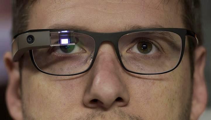 تقارير: منع الساعات و النظارات الذكية في قاعات السينما