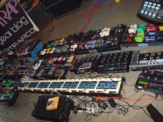 pedal pedais de efeito guitarra online dica dicas como comprar efeitos elvis almeida central rock heavy metal overdrive distortion distorção booster review analise sugestão set setup rig