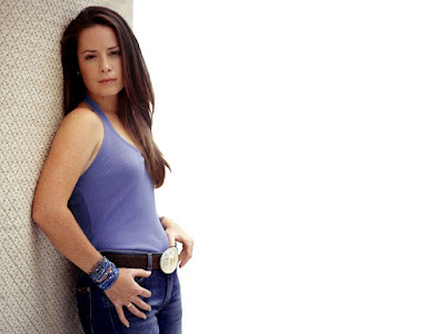 Holly Marie Combs Sexy Wallpaper