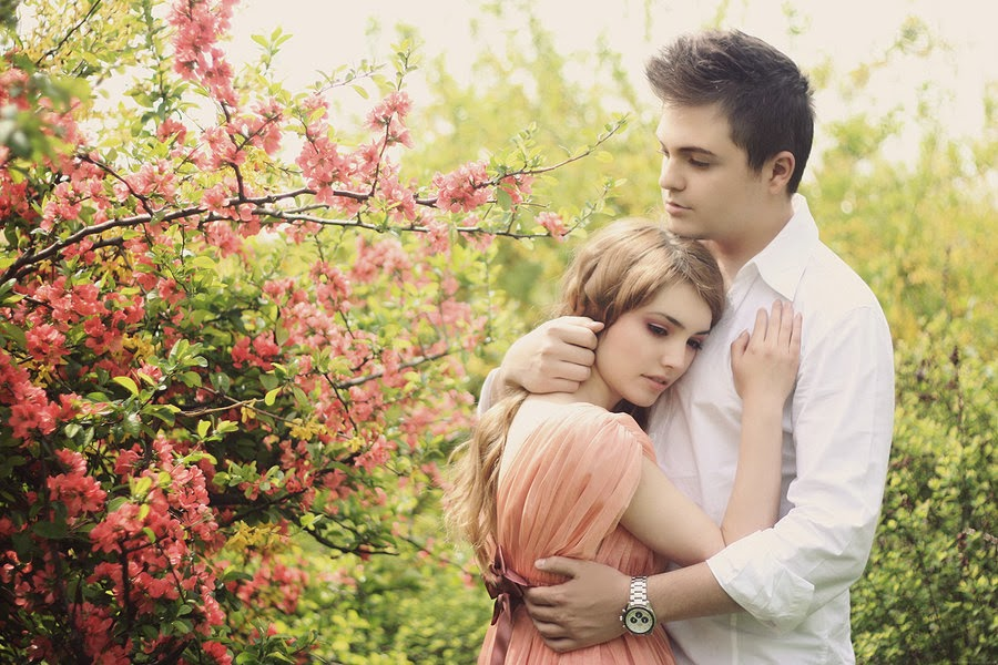Красивые фото девушка и парень обнимаются