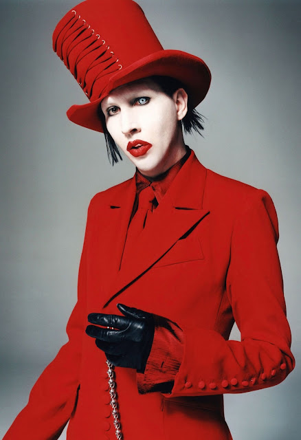 Marylin Manson,rock music,red tuxedo