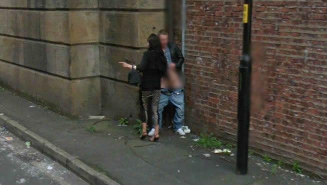 Google Streetview Pill A Una Pareja Teniendo Seo En La Calle