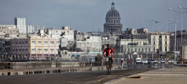 Biking+in+Havana,+Cuba%E2%80%94among+those+ancient+American+cars%E2%80%94is+another+a+memorable+experience.+-+18+Amazing+Places+You+Should+Ride+Your+Bike+Before+You+Die.jpg
