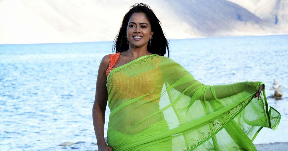 sameera reddy hot in saree hot saree pics