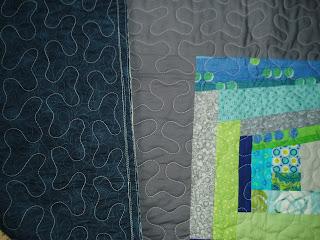 Colcha de patchwork con bloques de log cabin