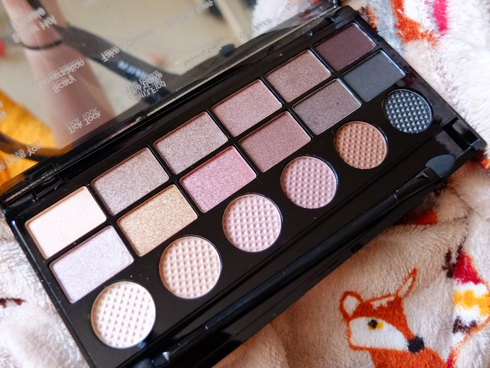 What You Waiting For? Make Up Revolution Palette