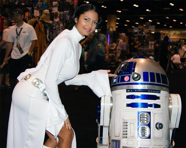 Princess Leia R2-D2 cosplay by Ivy95