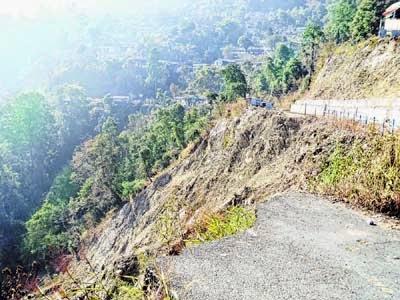 Tindharia Gayabari people threatens to block Darjeeling toy train if NH 55 is not restored