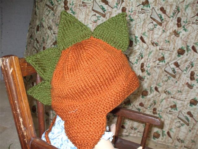 Knitting Pattern Dinosaur Hat : stone-belle: Dinosaur hats