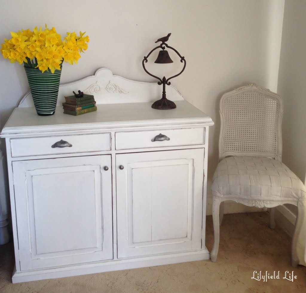 lilyfield life shabby chic white hall cupboard and my mum. Black Bedroom Furniture Sets. Home Design Ideas