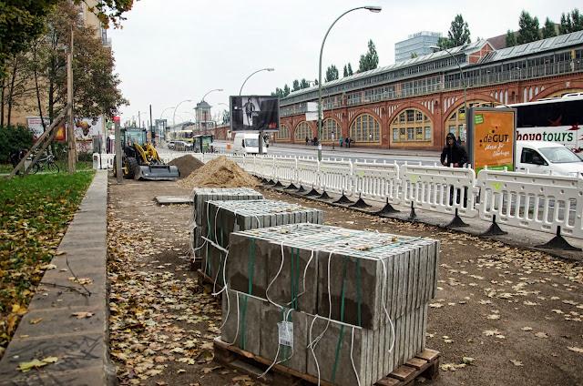 """Baustelle Ostkreuz Friedrichshain, Warschauer Straße / Mühlenstraße, Neugestaltung """"Grünes Tor"""", 10243 Berlin, 12.10.2013"""