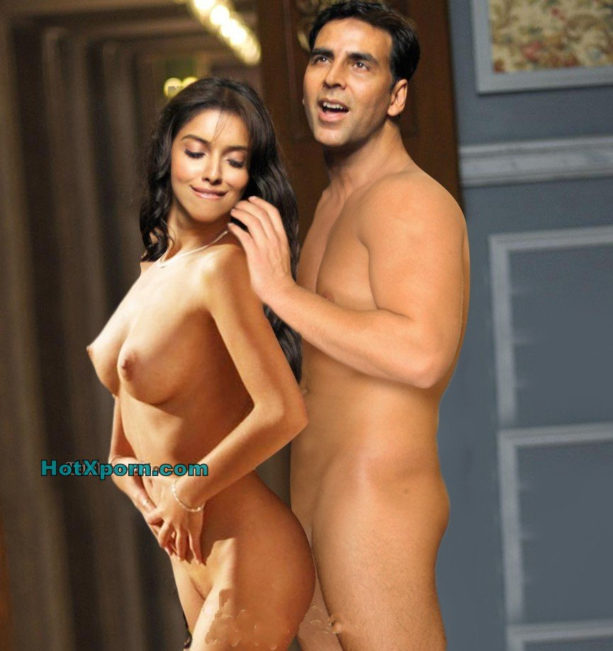 Nude Hot Tollywood Actress Asin Naked Showing Boobs Dancing With Akshay For HouseFull 2 Fake