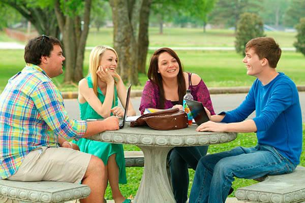 Cómo Generar Ingresos Adicionales Siendo Estudiante