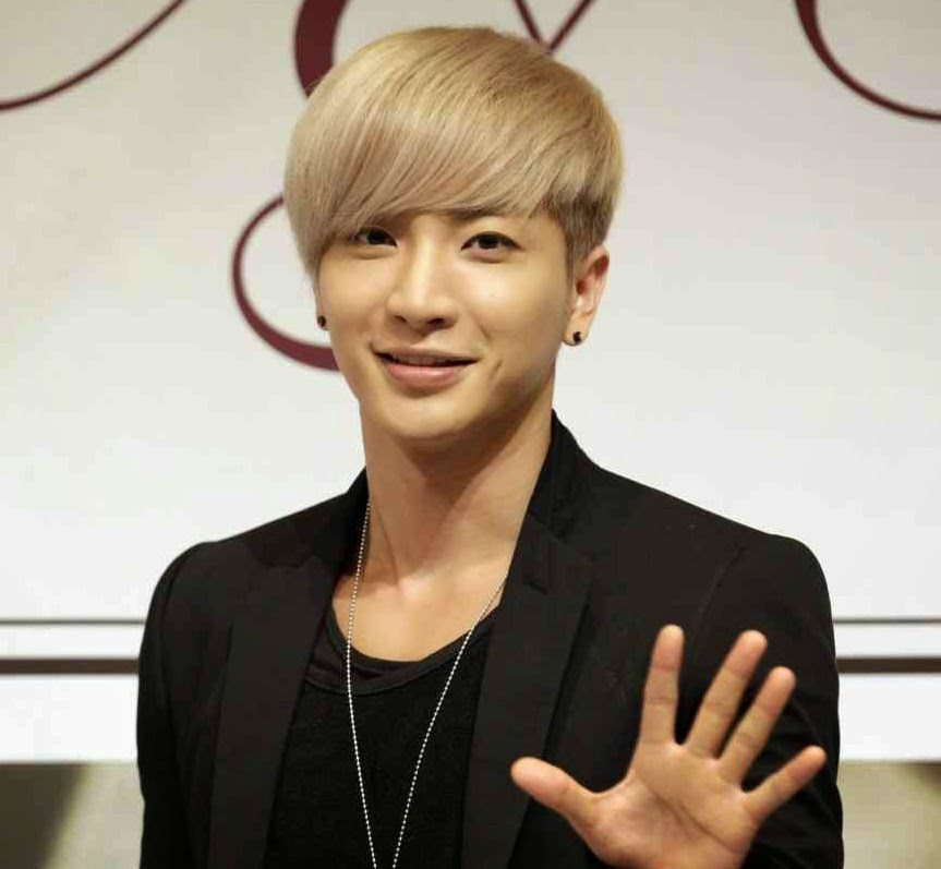 Daftar sepuluh artis terkaya korea