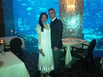 Veena Malik getting Cosy with Billionaire boyfriend Shaikh Umar Farukh Zahoor