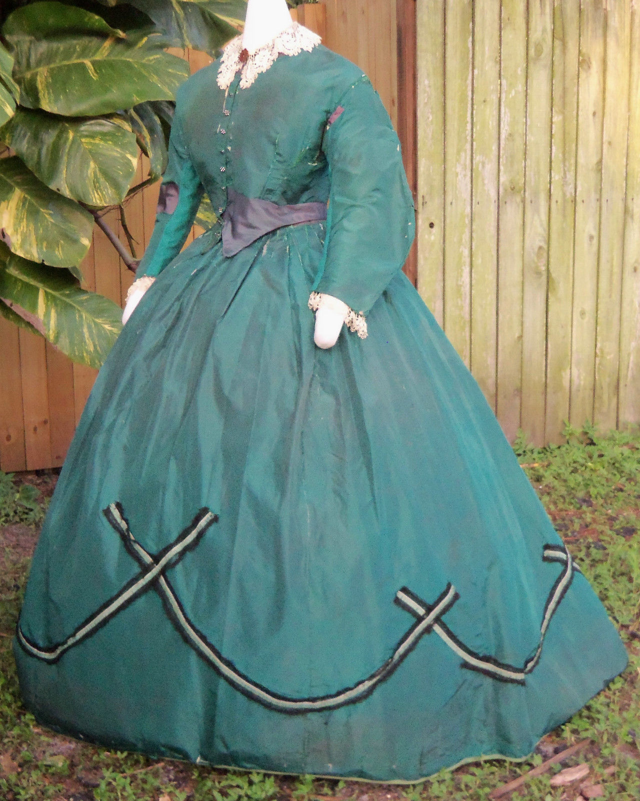 All The Pretty Dresses: American Civil War Era Green Dress Pieced