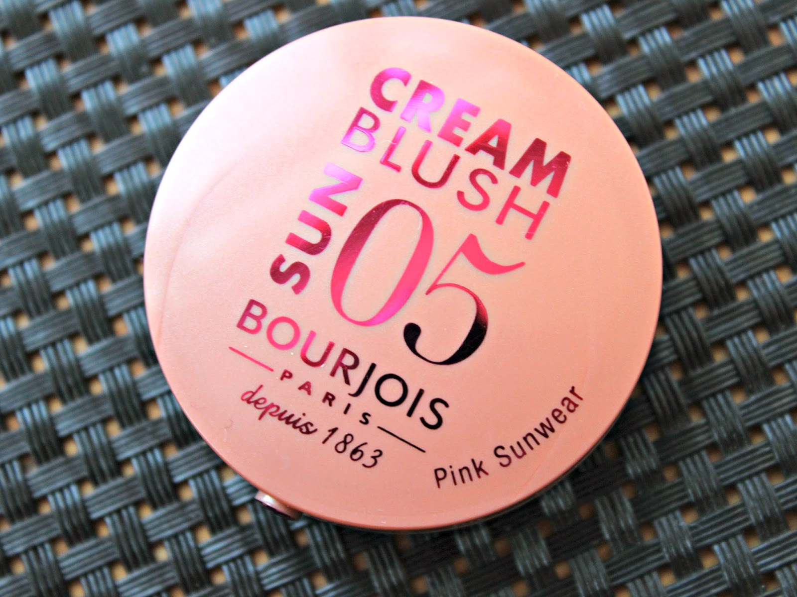 A picture of Bourjois Cream Blush in Pink Sunwear