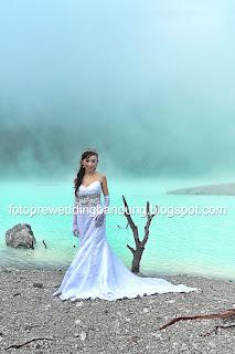 Foto Pre Wedding Kawah Putih