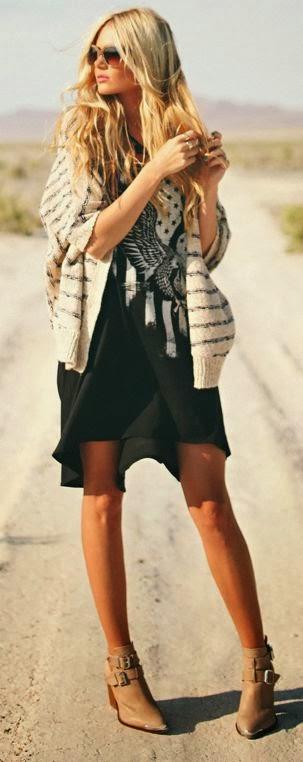 black dress & heels/ glasses amaze!